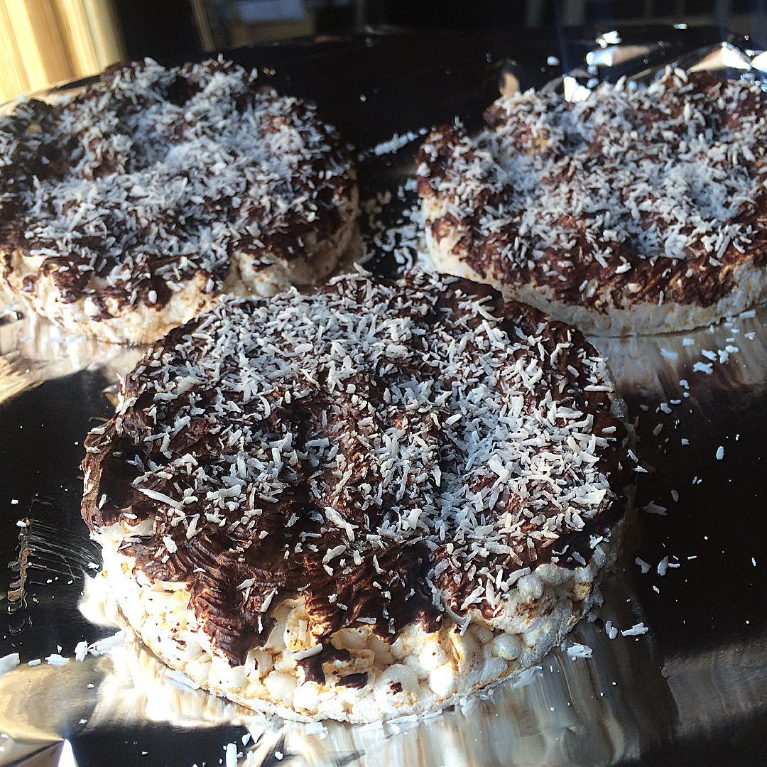 "Tortitas de arroz y chocolate ""fit"""