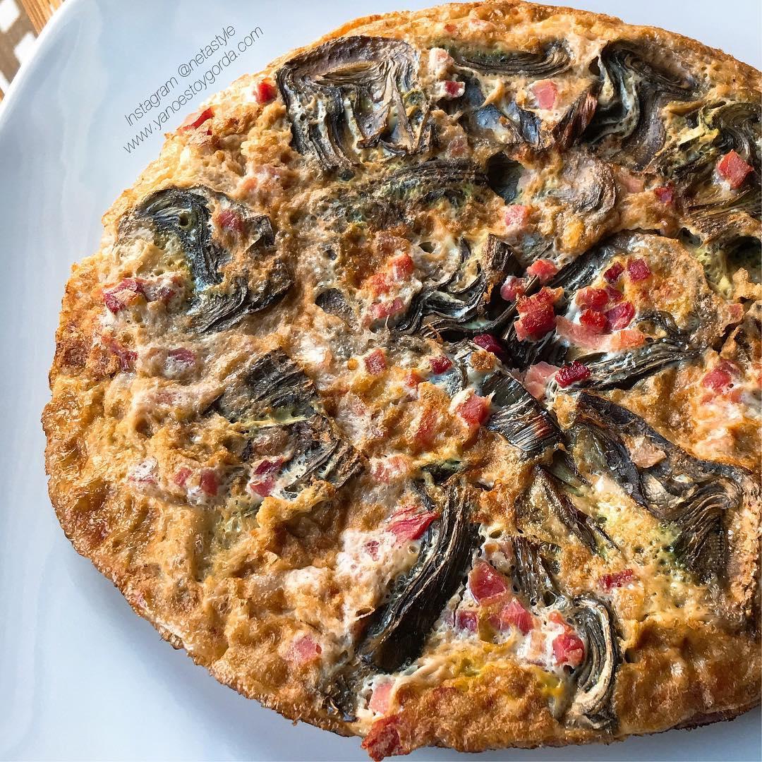 Tortilla de alcachofas y jamón