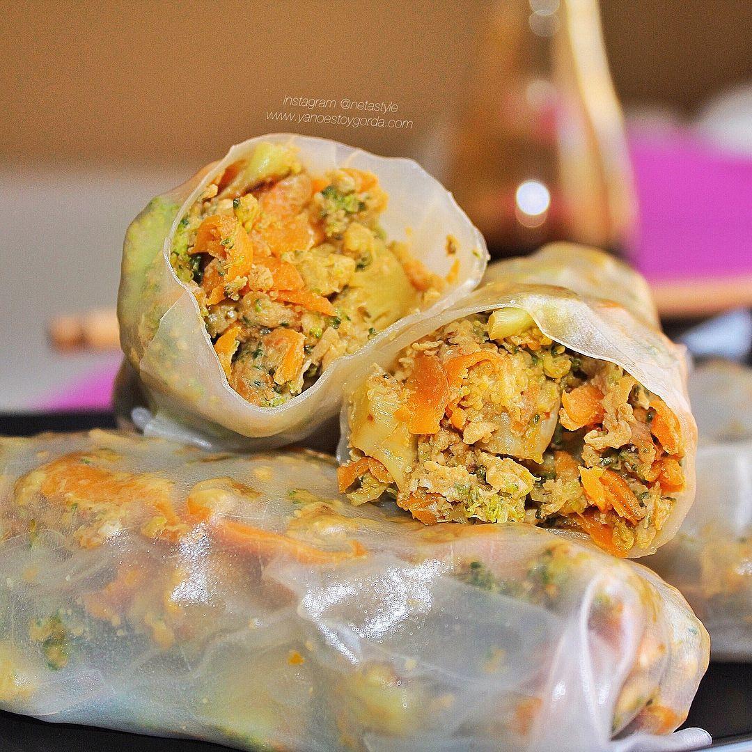 Rollitos de brócoli, zanahoria y huevos a la soja