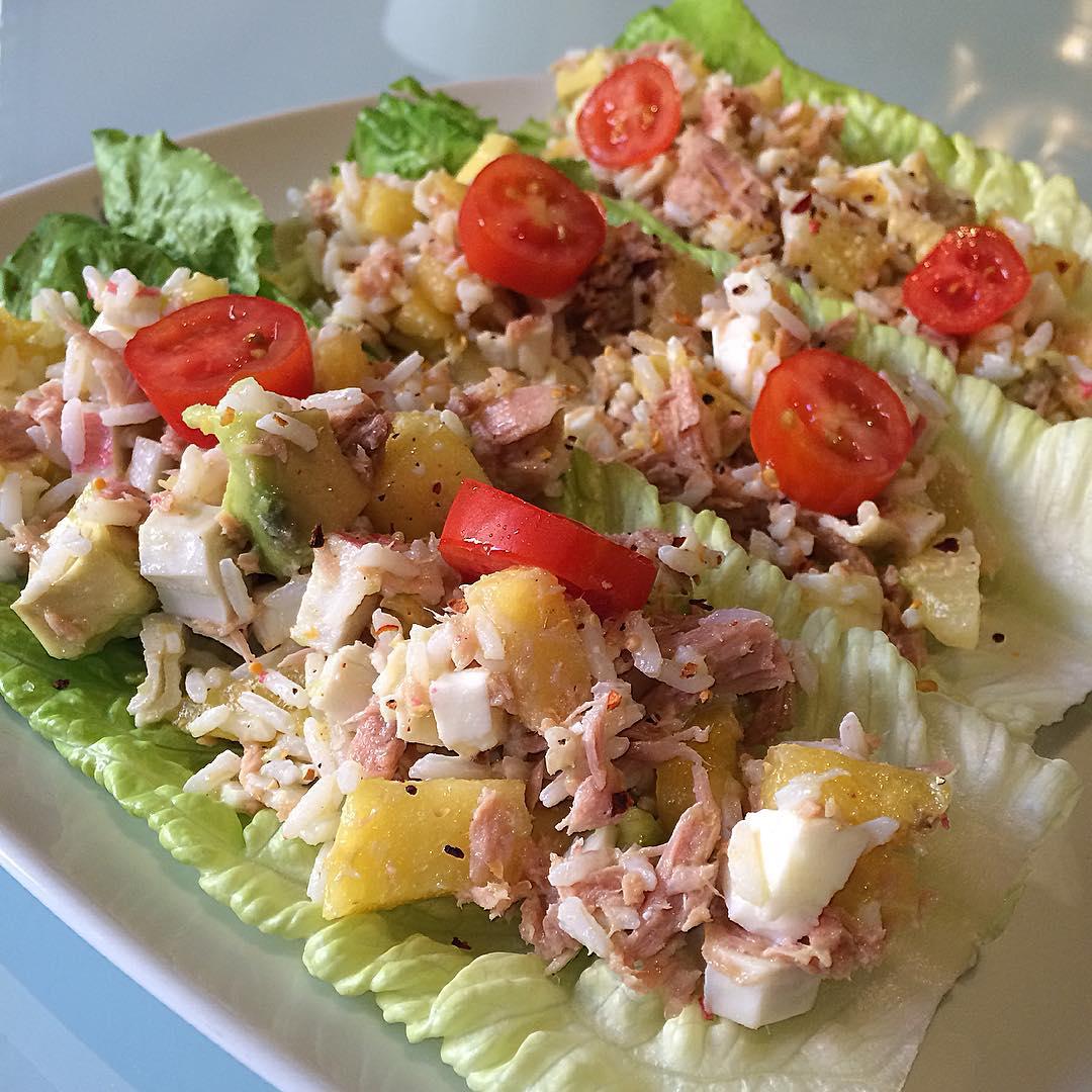 Tacos de lechuga tropicales