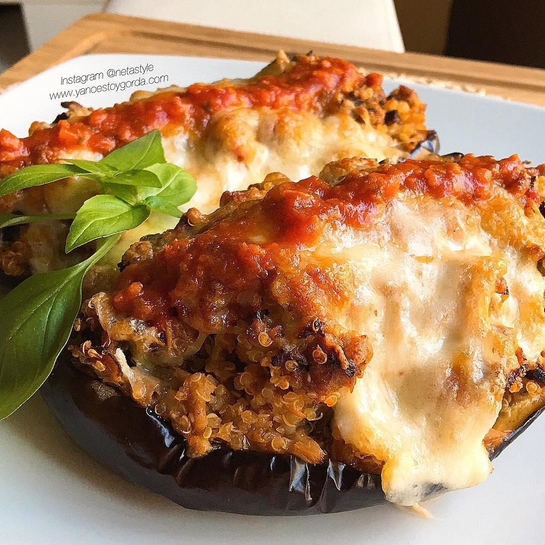 Berenjenas rellenas de quinoa, brócoli y atún