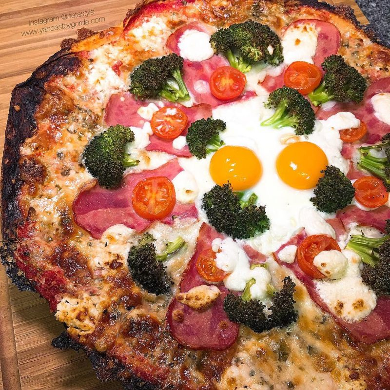 Fajipizza de bacon de pavo y brócoli