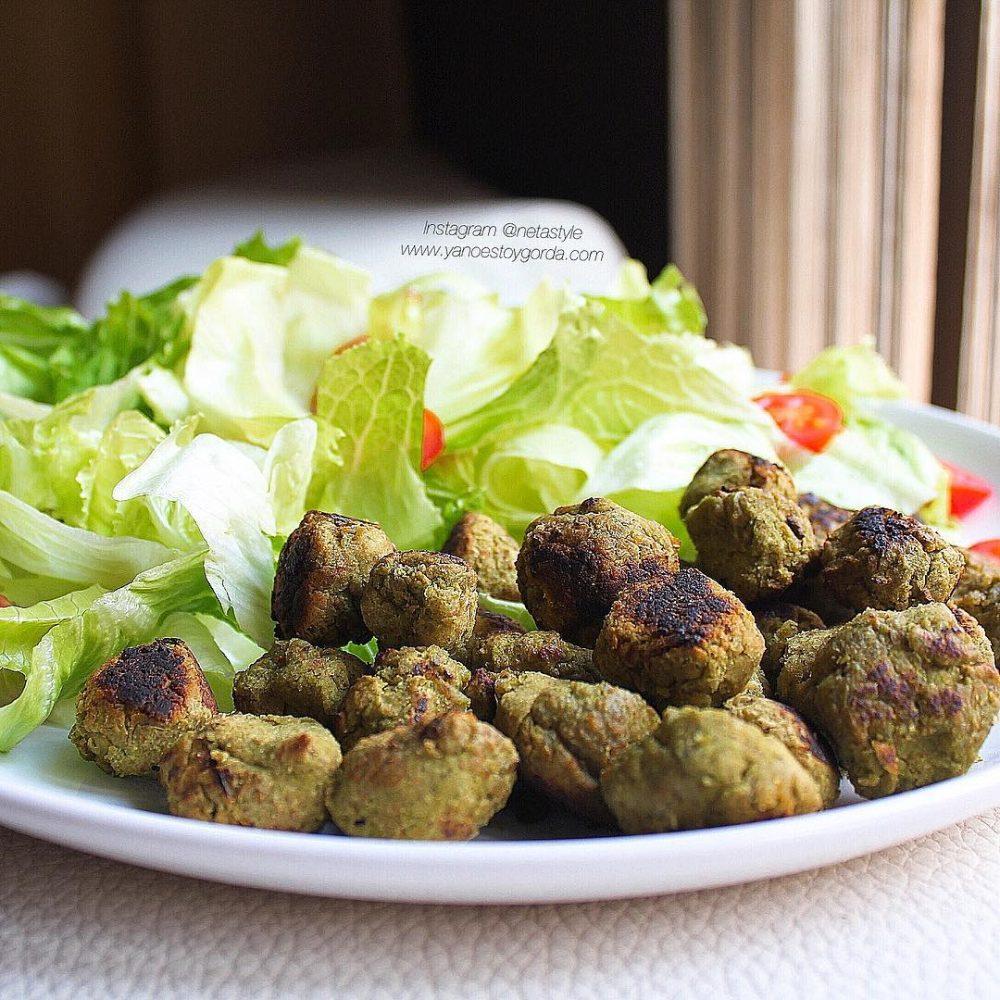 Bolitas de garbanzo y brócoli