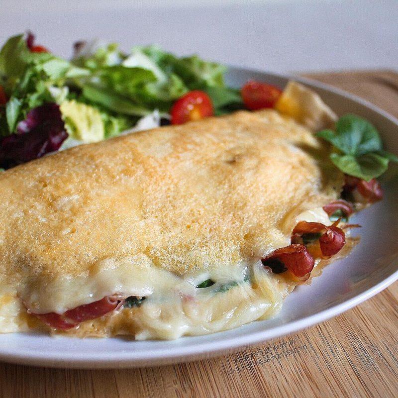 Tortilla de espinacas, jamón y queso