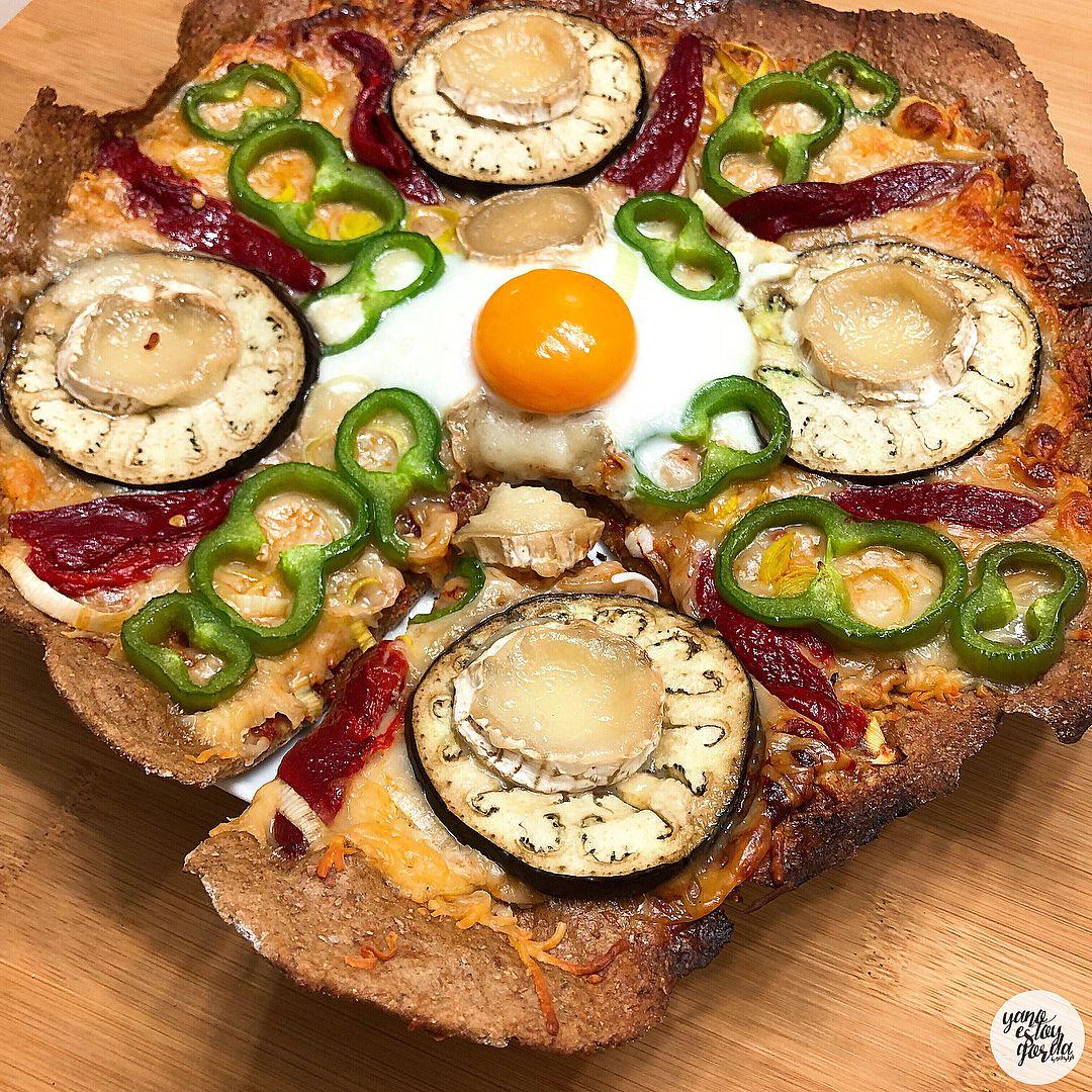 Pizza de centeno integral con berenjena