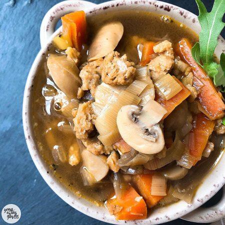 Sopa de champiñones con soja texturizada