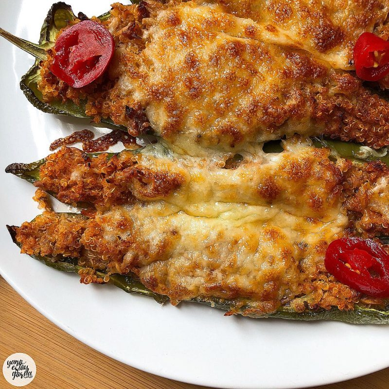 Pimientos rellenos de quinoa y atún