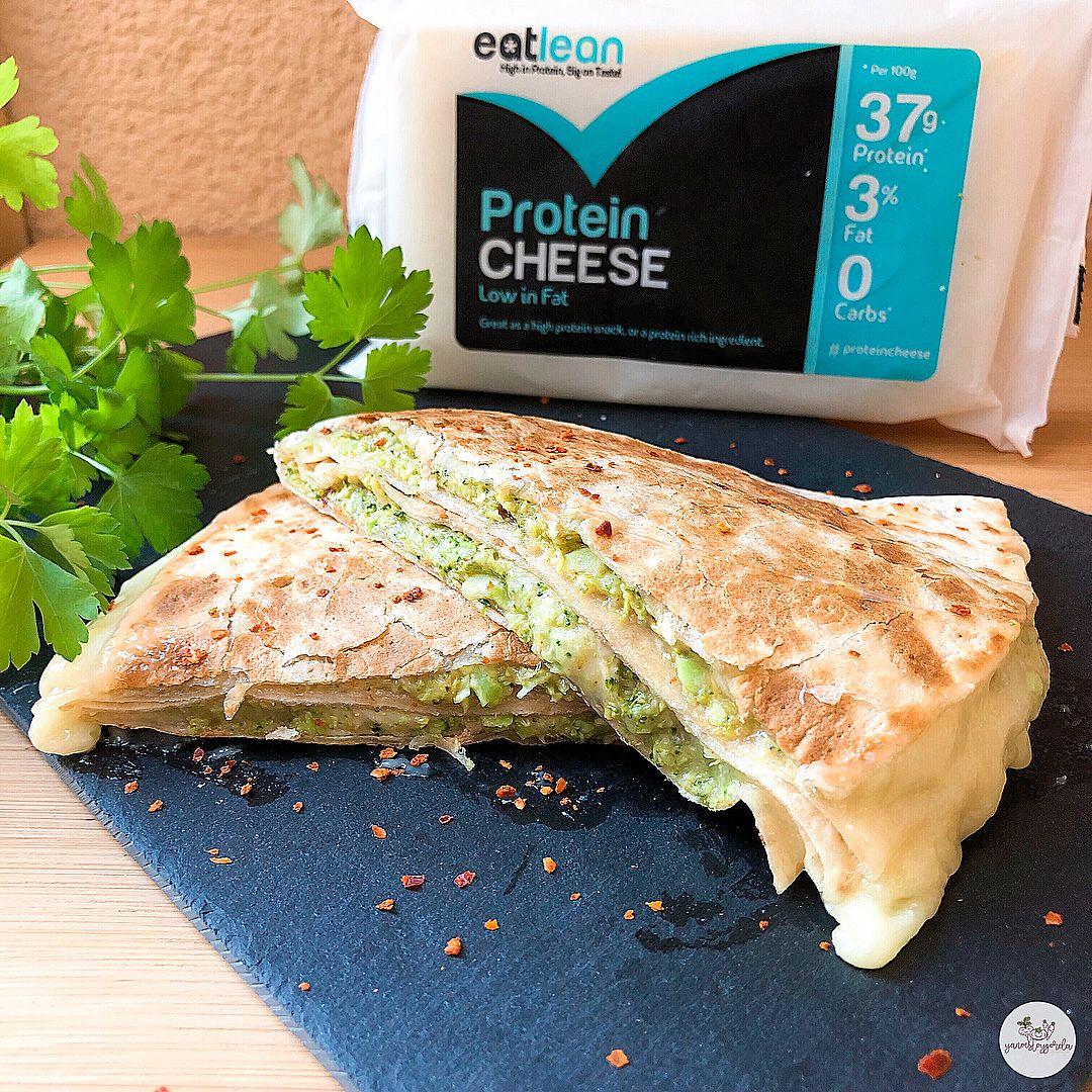 Quesadillas de quinoa rellena de brócoli y queso