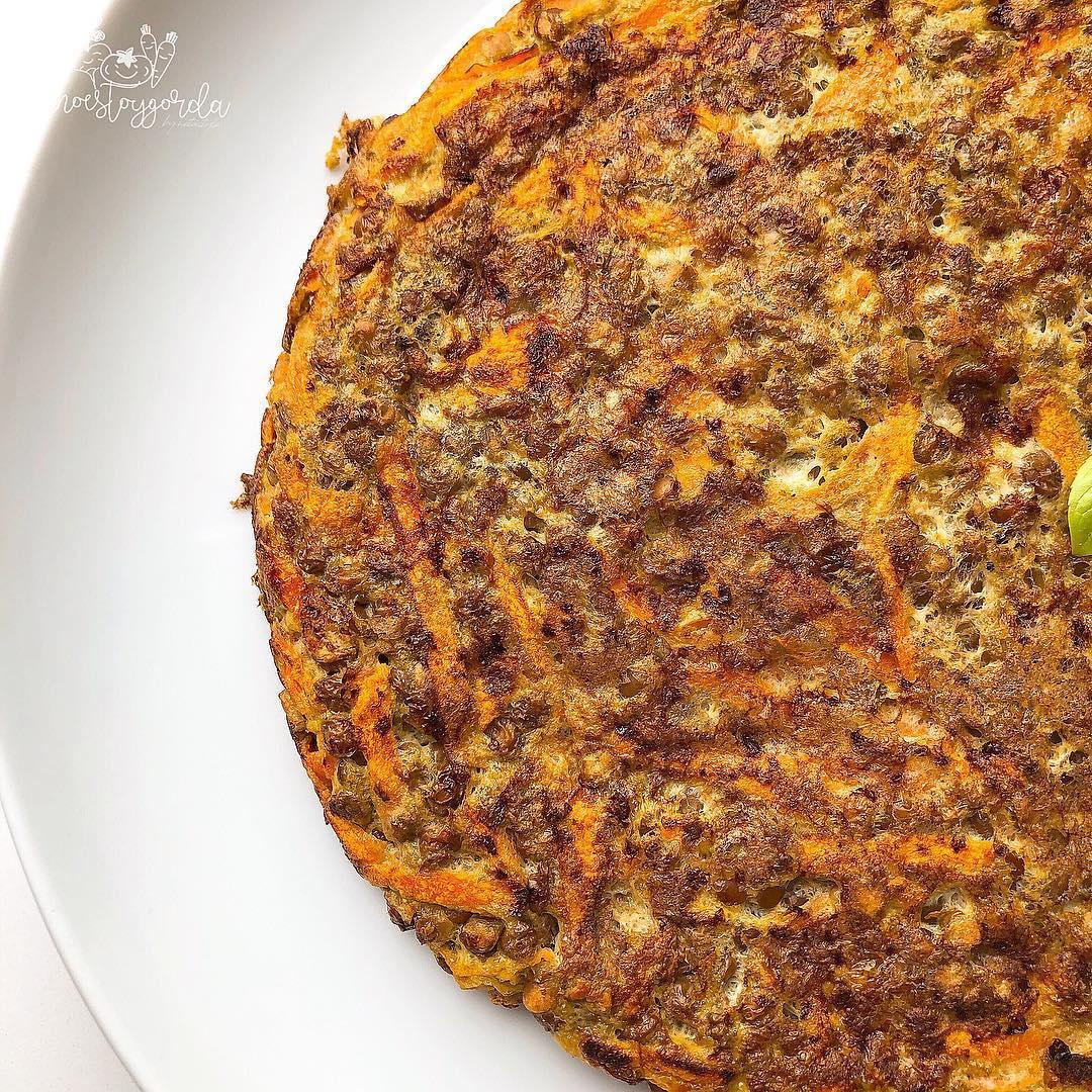 Tortilla de lentejas con zanahoria y curry