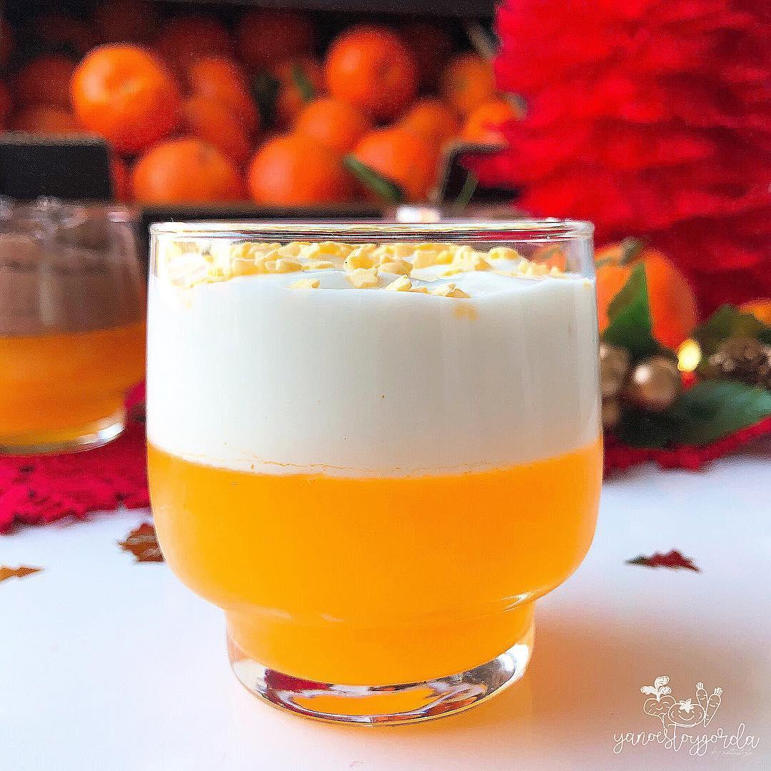 Vasitos de gelatina mandarina