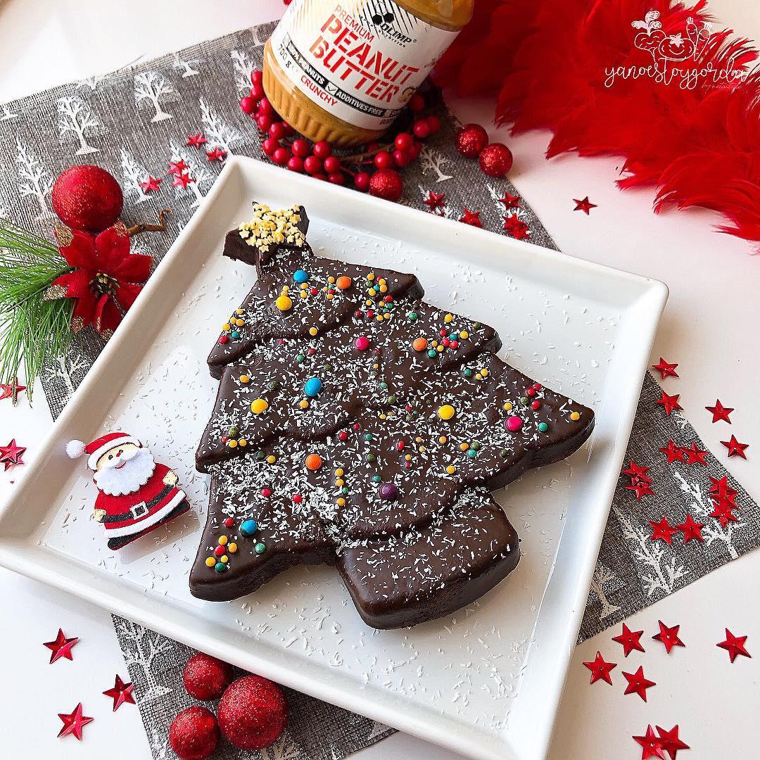 Arbolito navideño de manteca de cacahuete y chocolate