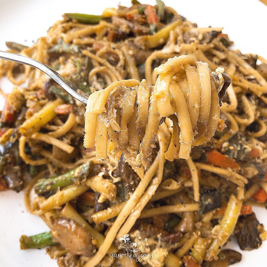 Fideos udon integrales con verduras