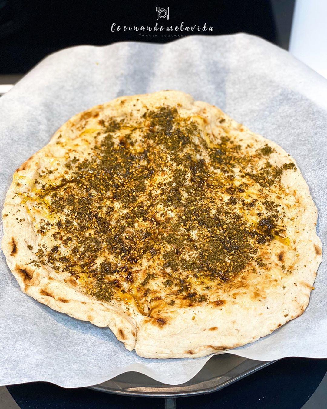 MANOOSHE (PIZZA CON ZAATAR)