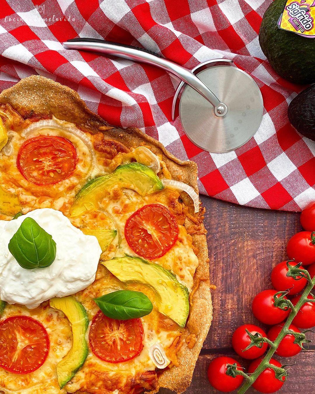 PIZZA DE ESPELTA INTEGRAL CON CERVEZA Y SIN LEVADURA