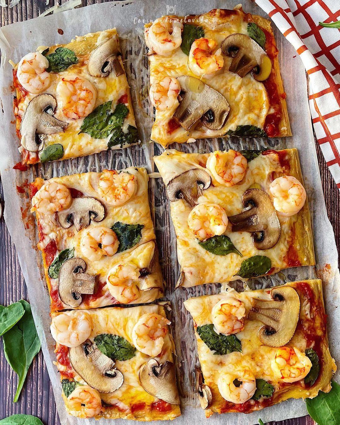 PIZZA CON BASE DE ATÚN